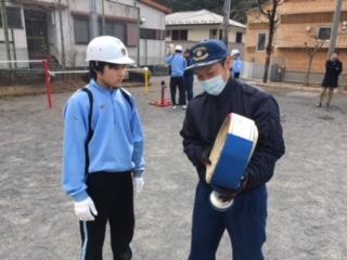 少年消防隊、消火栓操法始まる。