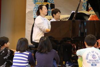 朝のピアノ演奏